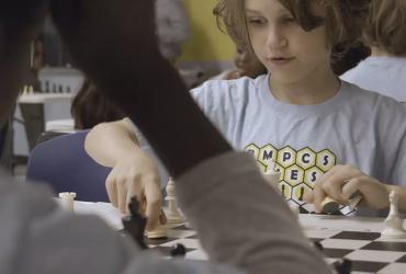 chess video hero