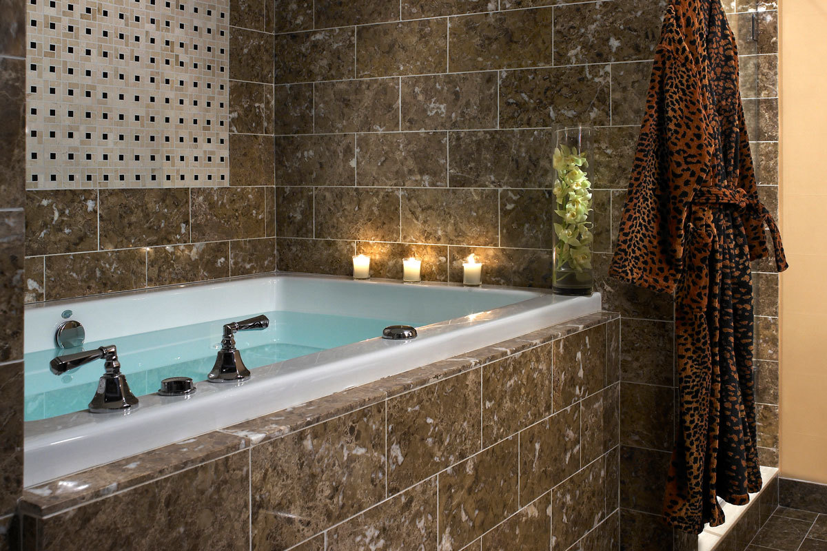 Monaco-Baltimore-Guest-Room-Bathroom-Majestic-Suite.jpg#asset:64310